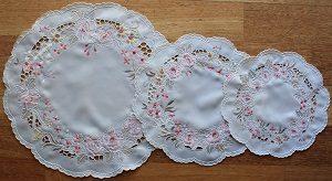 Lace - Cornelia - Doyley - Round - 3 sizes available