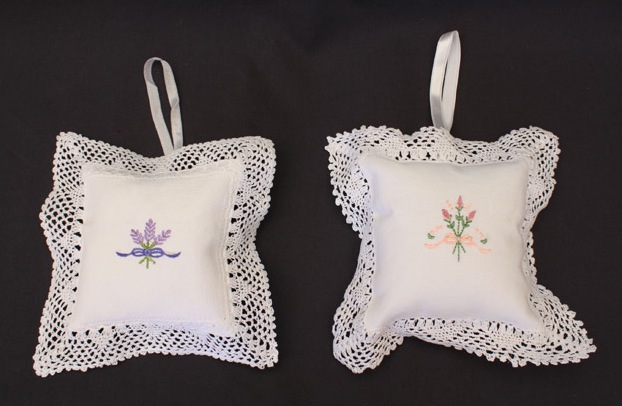 Large Filled Sachet Embroidered - 13.5 x 13.5 cm